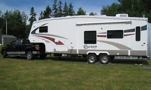 TRUCK & FIFTH WHEEL CAMPER FOR SALE