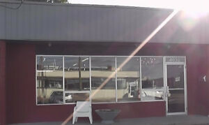 Showroom Warehouse Office Space Available For Rent 1040sf