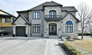 Gorgeous Custom Built Home In Pickering
