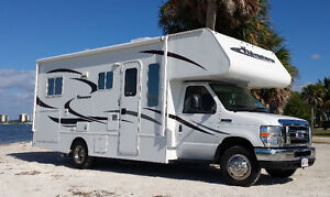 2013 Adventurer 24 foot Class C Motorhome with Slide Out