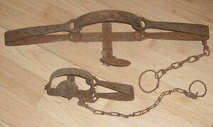 2 Antique LARGE Victor Leg Hold iron Trap Home Decor
