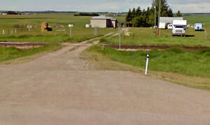 For Sale or Lease 14 acres farm land + Barn in Carstairs AB