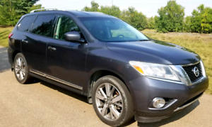 2013 Nissan Pathfinder Platinum -Leather/Loaded