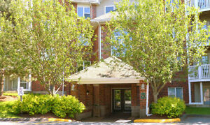 2 Bedroom Condo Available for Rent! Wedgewood Court!!