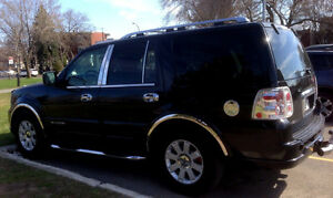 2004 Lincoln Navigator SUV, must be sold, Make your offer now