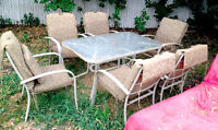PATIO SET PRICED TO SELL