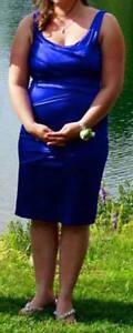 Robe coktail ou demoiselle d'honneur bleu royale