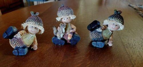 Autumn figurines