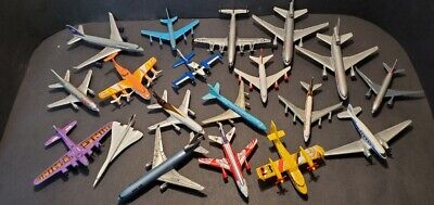 LOT of 19 Diecast and Plastic Airplanes 787 DC10 MD11 Constellation Plus Others.