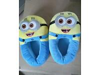 Kids Minions Slippers Size 6
