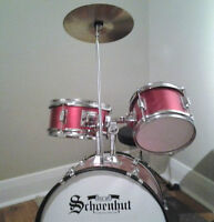 Schoenhut Piece Drum Set (Red)