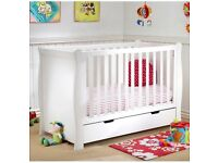 Immaculate White sleigh cot