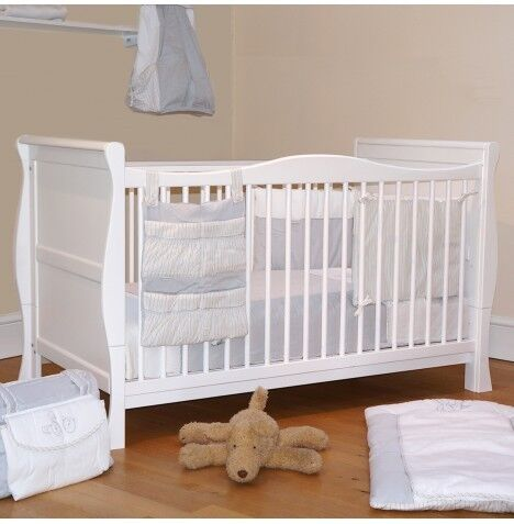 4Baby 3-in-1 Sleigh Cot Bed