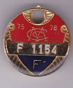 Melbourne Cricket Club 1975/76 F  season badge