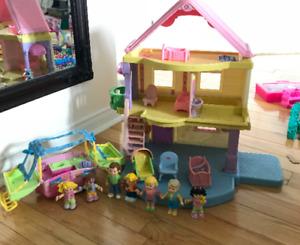 Maisonnette Fisher-Price avec personnages et accessoires