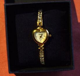 Stylish Woman's Bracelet Watch - New!