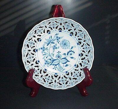 Meissen Porcelain Blue Onion Pierced Bowl Cobalt Blue Antique C. 1815