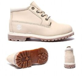 TIMBERLAND WATERPROOF BOOTS - OFF WHITE 8W (UK 6) - IN NEW CONDITION
