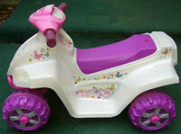 KidTrax Girls Melody Toddler 4x4 Ride On new!!!
