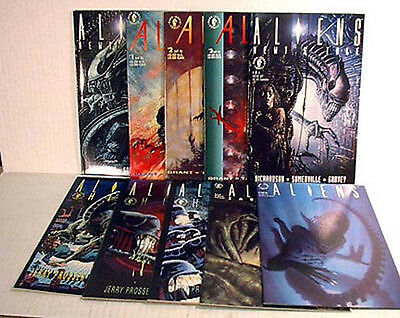 Lot of 10  Dark Horse Alien/Aliens Comics-Starter Set- FREE S&H- UNREAD!