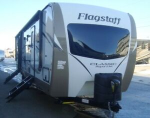 "USED 2018 FLAGSTAFF CLASSIC SUPER LITE 831BHWSS ""BUNK MODEL"""