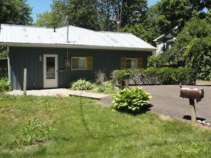 Great Cottage Rental! Crowe River, Newly Renovated!