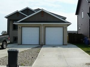 Upstairs 3 bed 2 bath suited house with garage