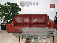 3 seater and 2 seater leather suite in dark red great condition must uplift from East Kilbride