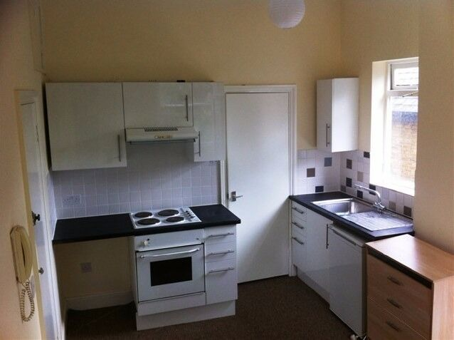 Very spacious double studio (GAS,WATER AND COUNCIL TAX INCLUDED)