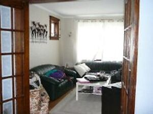 Pretty Uptown home needs 5 happy students for May! Kitchener / Waterloo Kitchener Area image 3