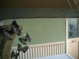 GORGEOUS SPARKLING SILVER GLITTER EFFECT LARGE DRESSING TABLE / BEDROOM MIRROR BUTTERFLY DETAIL