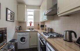 2 Bedroom Apartment in Bellingham, SE6 - Seperate Lounge Space