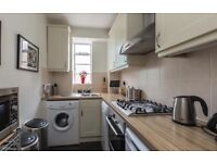 2 Bedroom Apartment in Bellingham, SE6 - Seperate Lounge Space