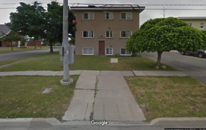 2Bed 1Bath Apartment for Rent $1050/Month - Welland