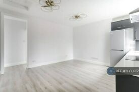 3 bedroom flat in Bedford House, London, NW1 (3 bed) (#1030222)