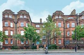 3 bedroom flat in Greyhound Mansions, London, W6 (3 bed)