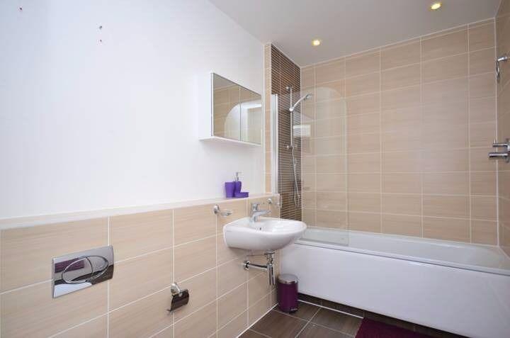1 Bedroom apartment on Salton Square, London, E14