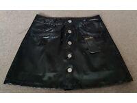 BNWT Pretty Little Thing Black Vinyl Mini Skirt - Size 14 BX27