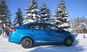 2013 Ford Fiesta SE (New Winter Tires!)