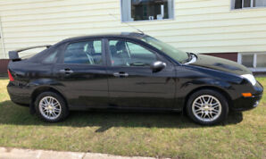 2006 Ford Focus ZX4 - Black - LOW kms, excellent condition