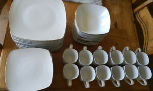 **PC BRAND SQUARE PLATINUM-RIMMED DINNERWARE SET**