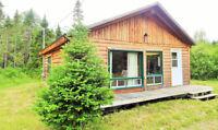 Joli charmant chalet  en bois rond à Lac-Megantic - a louer!