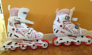 Adjustable size Girls' Rollerblades