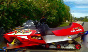 TURN HEADS ! LIKE NEW SNOWMOBILE!! HURRY WILL NOT LAST !!!!!!