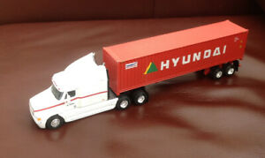 PEM Freightliner Diecast 1/64 Hyundai Container Cab and Trailer