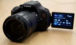 Canon T3i + 18-55 IS ii + Sigma 70-300 + 4 batteries et SAC