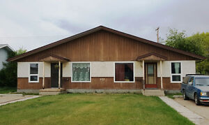 FIX AND FLIP-INCOME POTENTIAL DUPLEX Battleford
