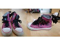 Pink punk/ alternative/ rock/ shoes Iron First shoes with bows size 3