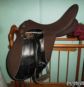 wintec saddle 16in Hillville Greater Taree Area Preview