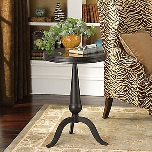 NEW:ACCENT TABLE,CHAIRS,FLOOR & TABLE LAMP FOR SALE